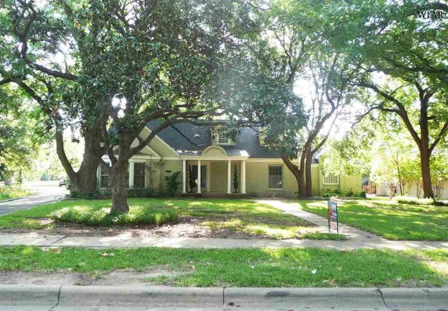 2002 avondale st wichita falls tx 76308 home for sale for Home builders wichita falls tx