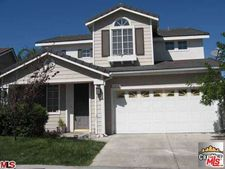 8215 Quakertown Ave, Winnetka, CA 91306