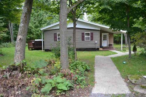 593 English Settlement Rd, Ogdensburg, NY 13669