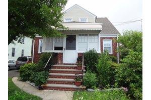 110 W Henry St, Linden City, NJ 07036