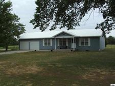 1304 C St, Osage City, KS 66523