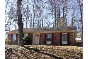 1502 Manard Ln, Greensboro, NC 27407