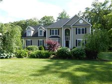 6 Ortense Dr, Wallingford, CT 06492