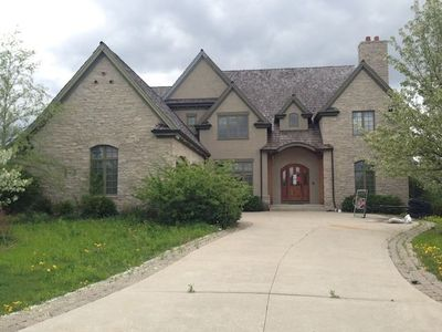 156 Palmer Cir, Vernon Hills, IL
