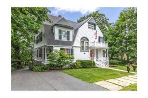 57 Fairmount St, Lowell, MA 01852