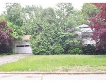 18 Blue Ridge Rd, Cranston, RI 02920