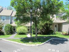 254 Maple Brook Ct, Yorktown Heights, NY 10598