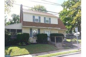 37 E Essex Ave, Lansdowne, PA 19050