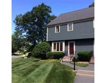 10 Deer Path Apt 1, Maynard, MA 01754