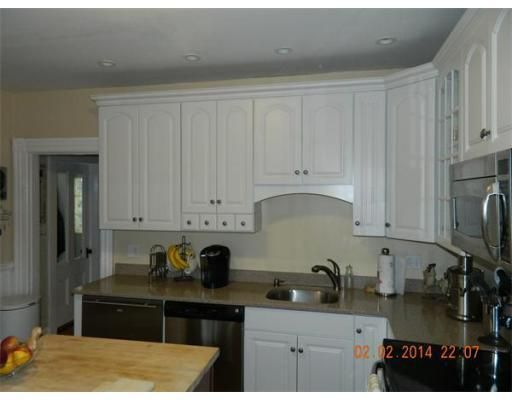 190 franklin st quincy ma 02169 for Kitchen cabinets quincy ma