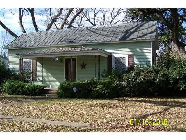 107 mills st smithville tx 78957 home for sale and