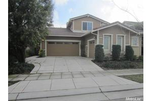 710 W Woodside Ave, Mountain House, CA 95391