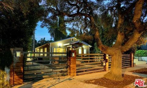 634 Huntley Dr, West Hollywood, CA 90069