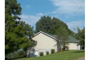 140 Meredith Rd, Lafollette, TN 37766
