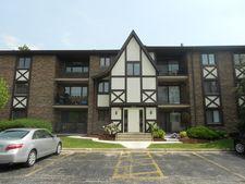 10512 Ridge Cove Dr Apt 32C, Chicago Ridge, IL 60415