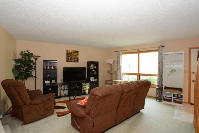 15669 w brook dr new berlin wi 53151 2 beds 3 baths. Black Bedroom Furniture Sets. Home Design Ideas