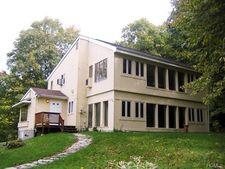 501 Huckleberry Tpke, Wallkill, NY 12589