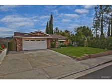29152 Flowerpark Dr, Canyon Country, CA 91387