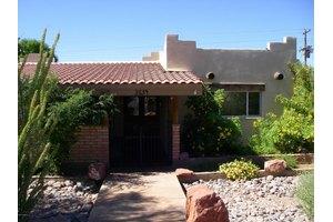 2634 N 58th Pl, Scottsdale, AZ 85257
