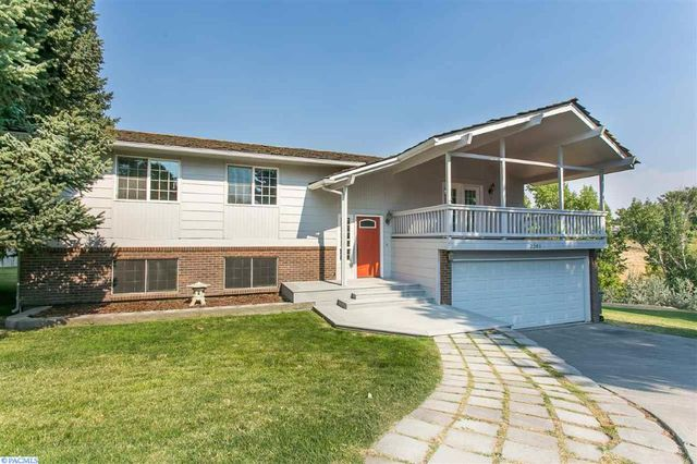 2201 s lyle st kennewick wa 99337 home for sale and