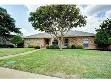 525 Tiffany Trl, Richardson, TX 75081