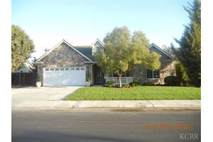 1532 W Chianti Way, Hanford, CA 93230