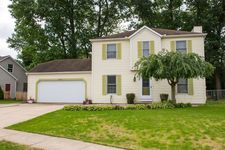1732 Fawn Ct, South Bend, IN 46628