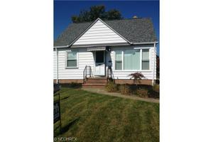 2902 Stanfield Dr, Parma, OH 44134