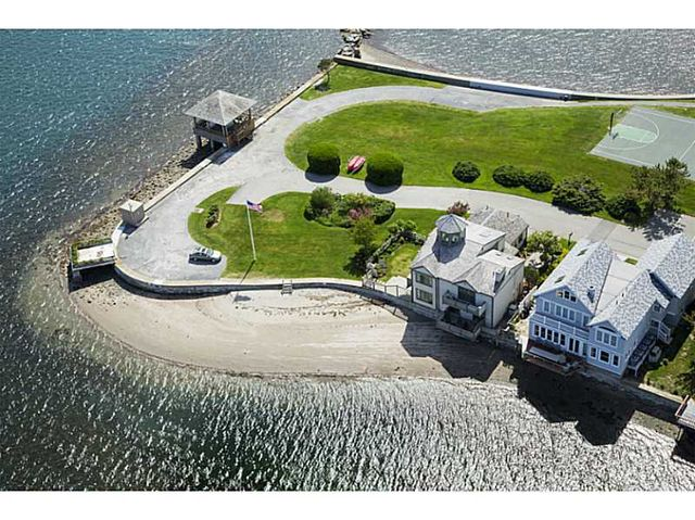 10 most expensive homes in newport ri currently on the for Most expensive house in newport beach