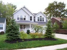 1407 Orchard Heights Dr, Mayfield Heights, OH 44124