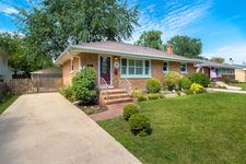 4338 Stanley Ave, Downers Grove, IL 60515