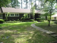 1067 Meadow Heights Dr, Jackson, MS 39206