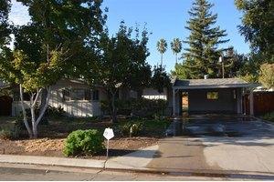 1556 E Loftus Ln, Fresno, CA 93710