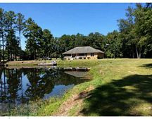 297 Old River Rd, Bloomingdale, GA 31302