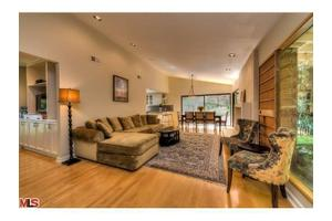 7414 Del Zuro Dr, Los Angeles, CA 90046