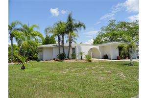162 Rotonda Cir, Rotonda West, FL 33947