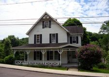 69 College Ave, Factoryville, PA 18419
