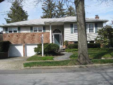 659 Nutley Pl North Woodmere, NY 11581