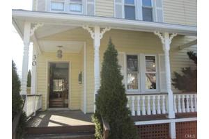 30 Gregory Blvd, Norwalk, CT 06855