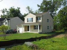 210 Maple St, Warminster, PA 18974
