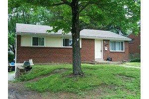 270 Suncrest Dr, Penn Hills, PA 15147
