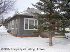 1100 Main St, New England, ND 58647