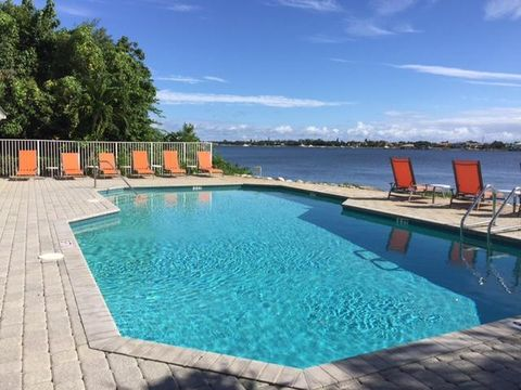 155 Barefoot Cv, Lake Worth, FL 33462