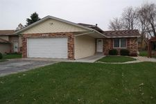 3994 Willowood Ct, Crown Point, IN 46307