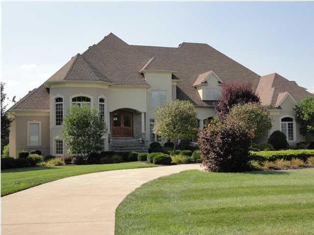 18420 Bridgemore Ln, Louisville, KY 40245