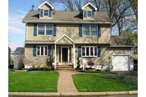 529 Beechwood Rd, Linden City, NJ 07036
