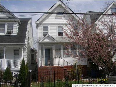209 Elm St, Staten Island, NY