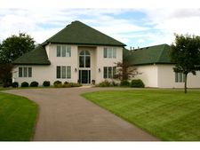 9 Apple Orchard Ct, Dellwood, MN 55110
