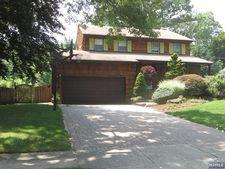 548 Stevens Ave, Ridgewood, NJ 07450