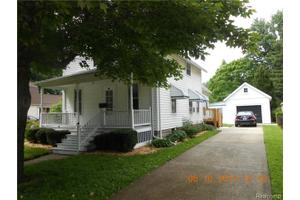 34 Huron Ave, Mount Clemens, MI 48043